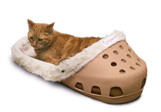 Slippers Crocs beds for pets